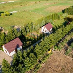 Domki i ogród warzywny